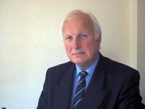 Dr David Baines